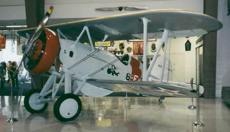 Boing F4B-4 model airplane plan