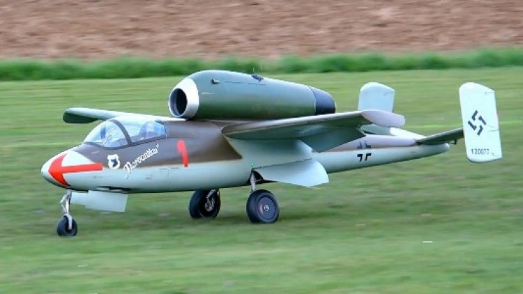 Heinkel HE 162 Salamander model airplane plan