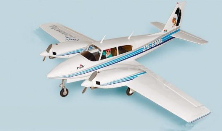 Piper Twin Comanche model airplane plan