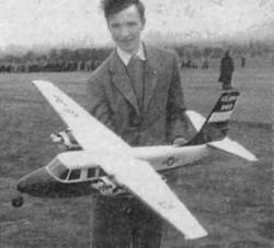 Aero Commander 680 Super model airplane plan