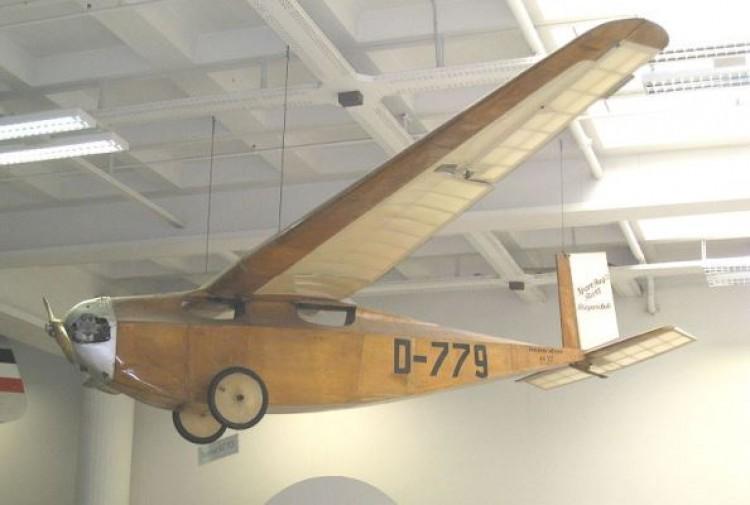 Messerschmiitt M.17 model airplane plan