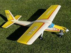 Maxi model airplane plan