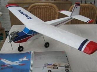 Amateur model airplane plan