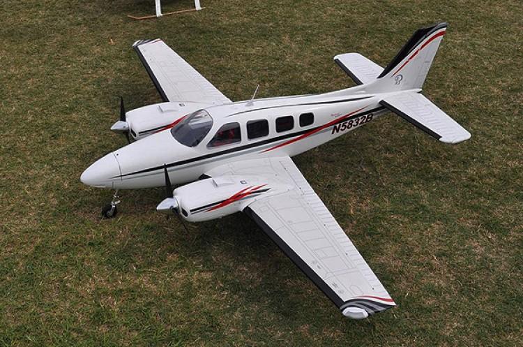 Beechcraft Baron 58P model airplane plan