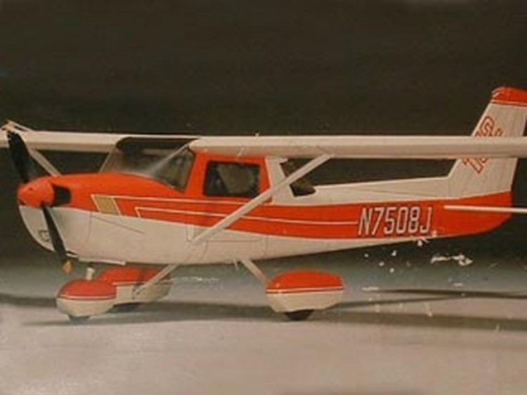 Pilot Cessna 152-20 model airplane plan