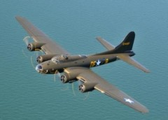 B-17F Flying Fortress model airplane plan
