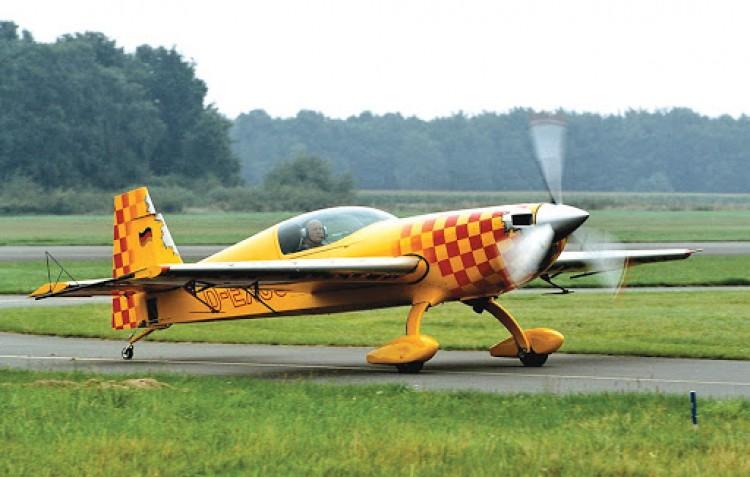 Extra Expert model airplane plan