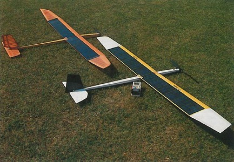 Silizi Solar model airplane plan