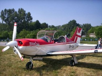 PZL M-26 Iskierka model airplane plan