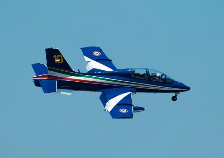 Aermacchi MB-339 model airplane plan