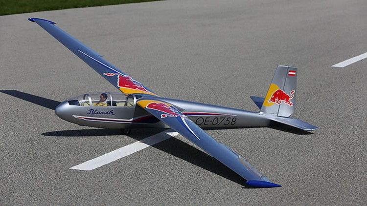 Blanik L-13 model airplane plan