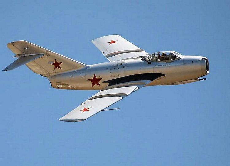 Mikoyan-Gurevich MiG-15 model airplane plan