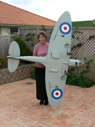 Dynaflite Giant Scale Spitfire model airplane plan