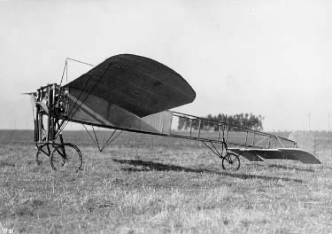 data/extra_images/2016/Bleriot_Monoplane_1910_dxf.jpg