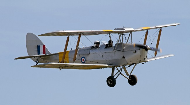 data/extra_images/2016/De_Havilland_DH82A_Tiger_Moth_R4922_3a_(6115648583).jpg