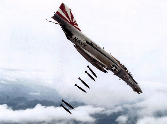 data/extra_images/2016/F-4B_VF-111_dropping_bombs_on_Vietnam.jpg