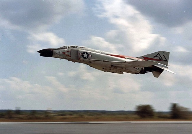 data/extra_images/2016/F-4B_VF-74_taking_off_1961.jpg