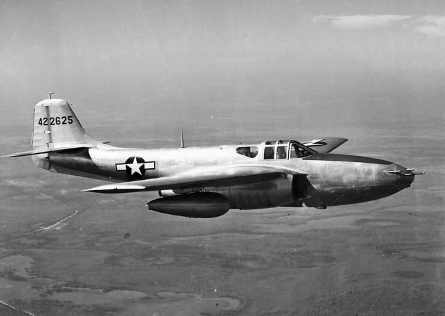 data/extra_images/2016/Jet_fighter_Bell_P-59_Airacomet_42-22625_in_flight.jpg