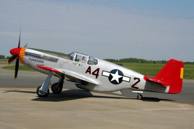 data/extra_images/2016/P51_Mustang_Muskegee_Red_Tail.jpg