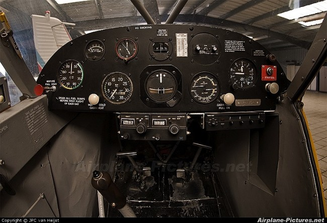data/extra_images/2016/Piper_PA-18_Super_Cub_-_Instrument_Panel.jpg