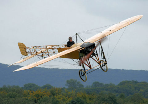data/extra_images/2016/Bleriot_XI_Thulin_A_1910_a.jpg