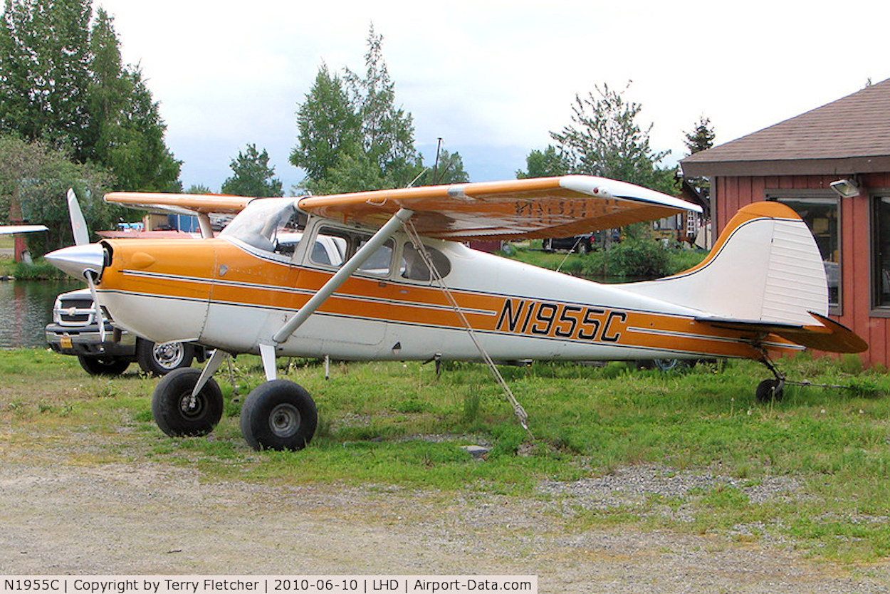 data/extra_images/2016/Cessna_170A_-_491969.jpg