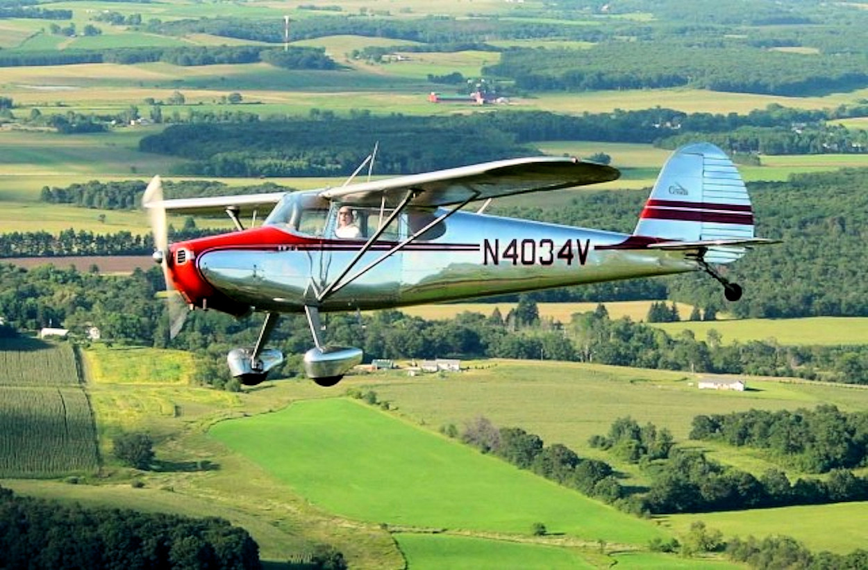data/extra_images/2016/Cessna_170_C170Flying_small.jpg