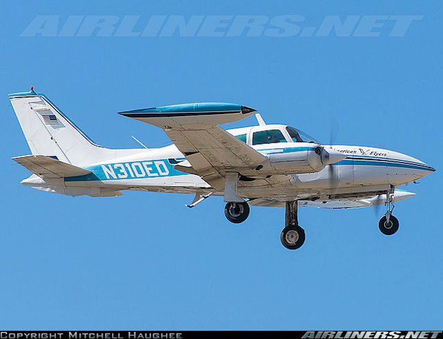 data/extra_images/2016/Cessna_310_-_02.jpg