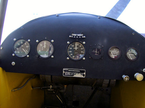 data/extra_images/2016/Inside_the_cockpit_of_a_Piper_Cub.jpg