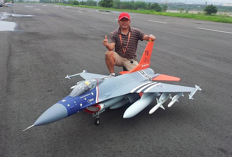 F-16 FalconAeroFred - Free Model Airplane Plans